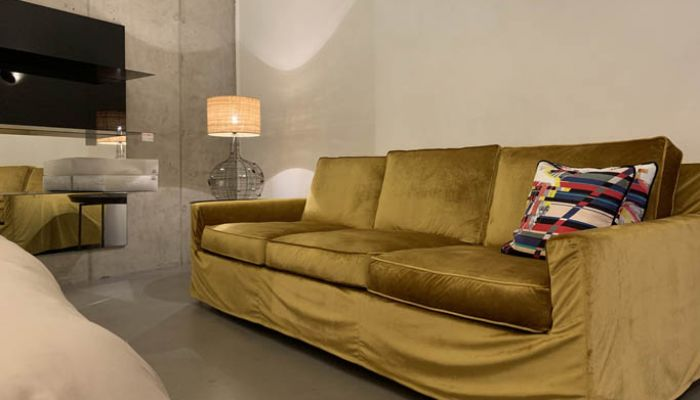rm sofa cousy gold